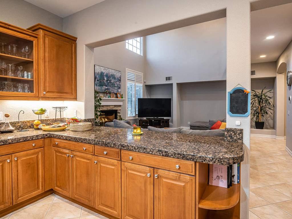 612-Castillo-Del-Mar-Arroyo-011-006-Kitchen-MLS_Size