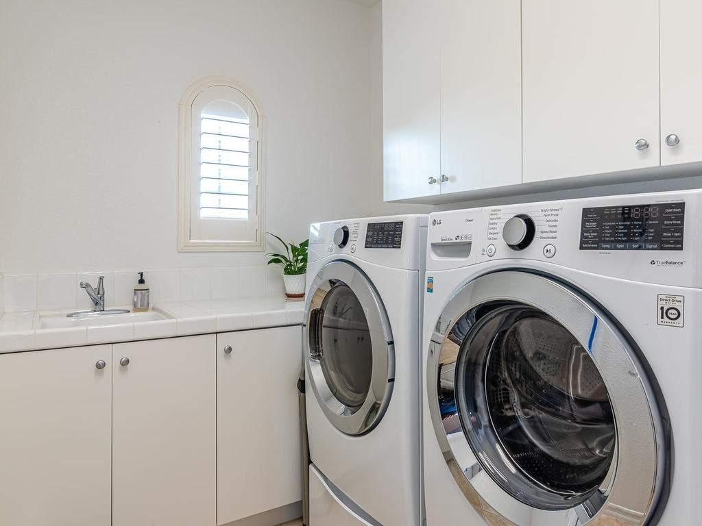 612-Castillo-Del-Mar-Arroyo-034-027-Laundry-Room-MLS_Size