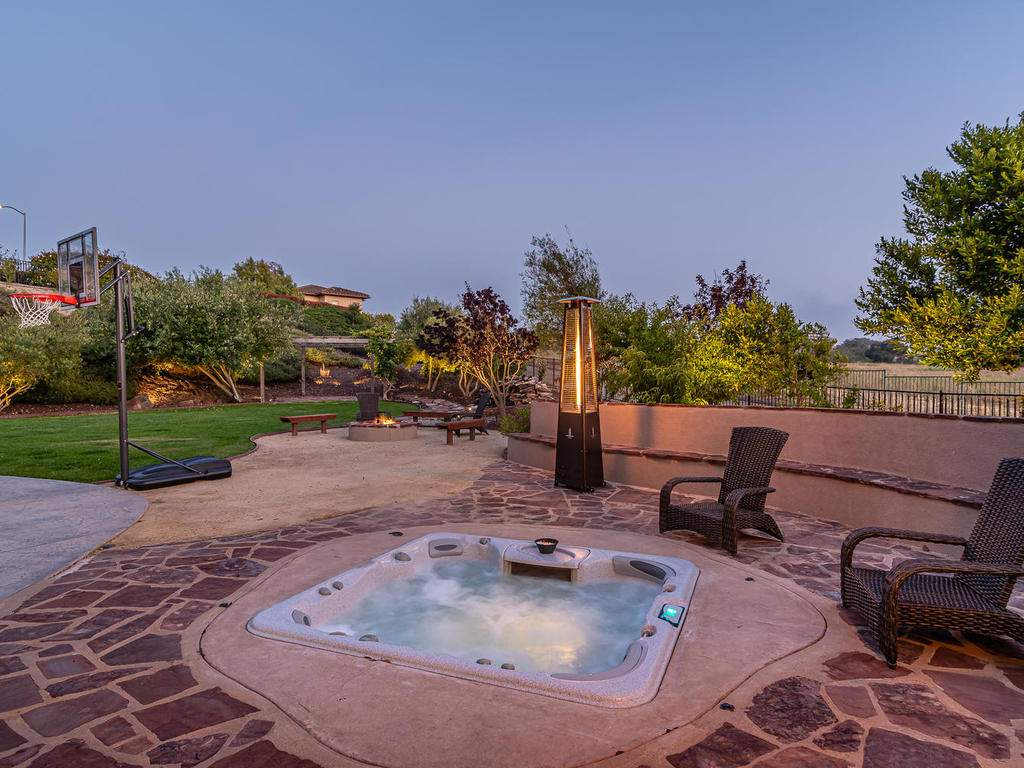 612-Castillo-Del-Mar-Arroyo-038-031-Relaxing-Spa-MLS_Size