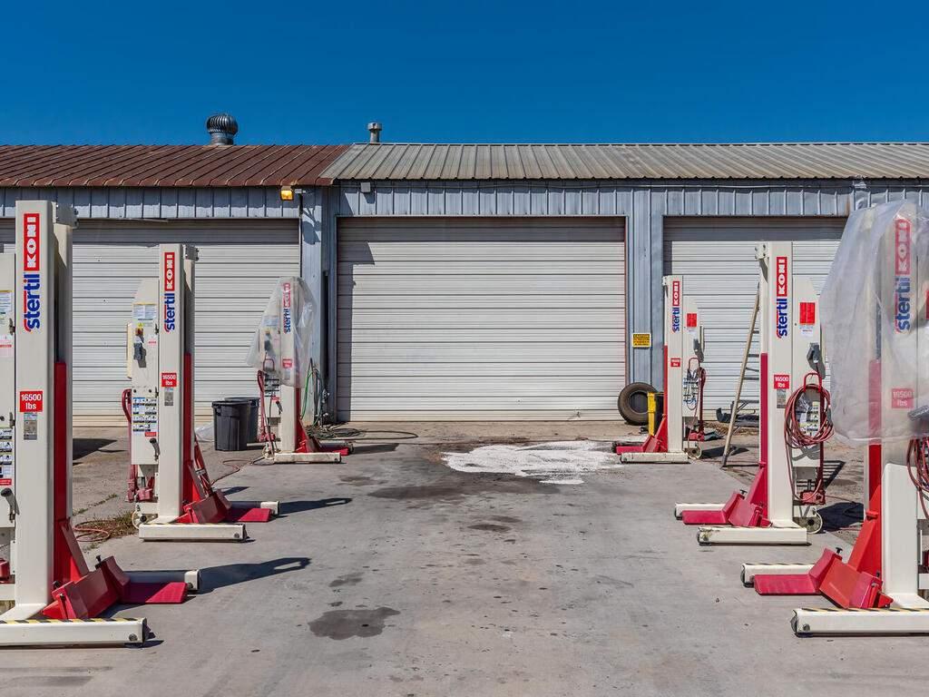 Paso-Robles-City-Maintenance-625-Riverside-Ave-Paso-Robles-CA-93446-USA-004-004-625-Riverside-MLS_Size