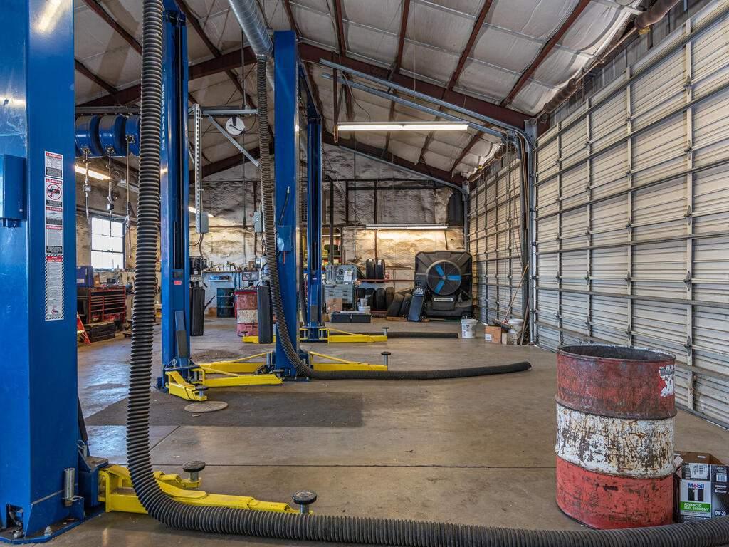 Paso-Robles-City-Maintenance-625-Riverside-Ave-Paso-Robles-CA-93446-USA-007-006-625-Riverside-MLS_Size