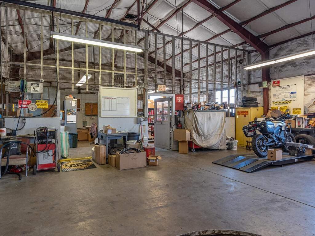 Paso-Robles-City-Maintenance-625-Riverside-Ave-Paso-Robles-CA-93446-USA-008-041-625-Riverside-MLS_Size