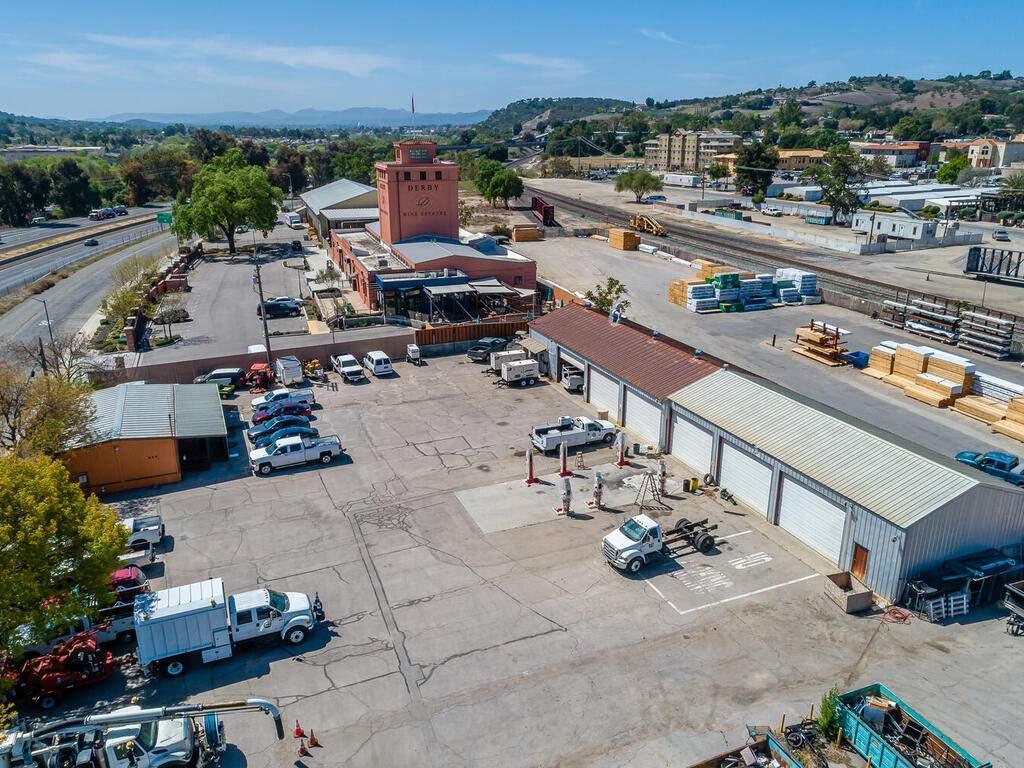Paso-Robles-City-Maintenance-625-Riverside-Ave-Paso-Robles-CA-93446-USA-028-026-625-Riverside-MLS_Size