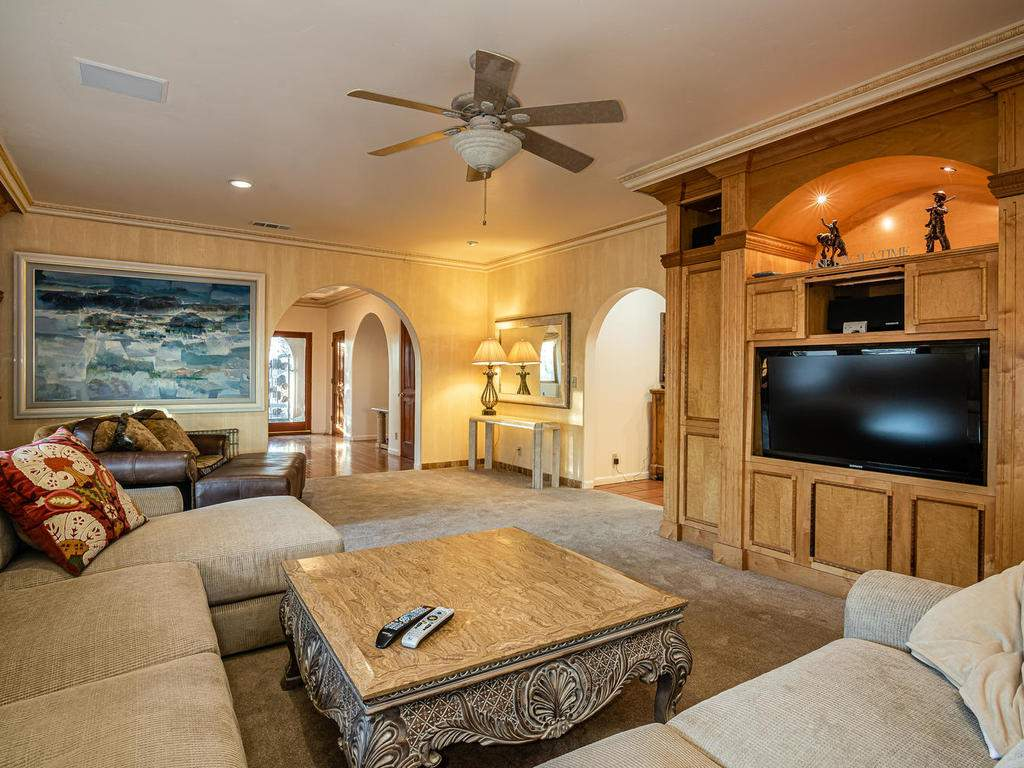 6275-Twin-Canyon-Ln-Creston-CA-019-016-Family-Room-MLS_Size