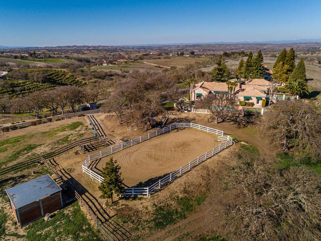 6275-Twin-Canyon-Ln-Creston-CA-071-080-Arena-MLS_Size