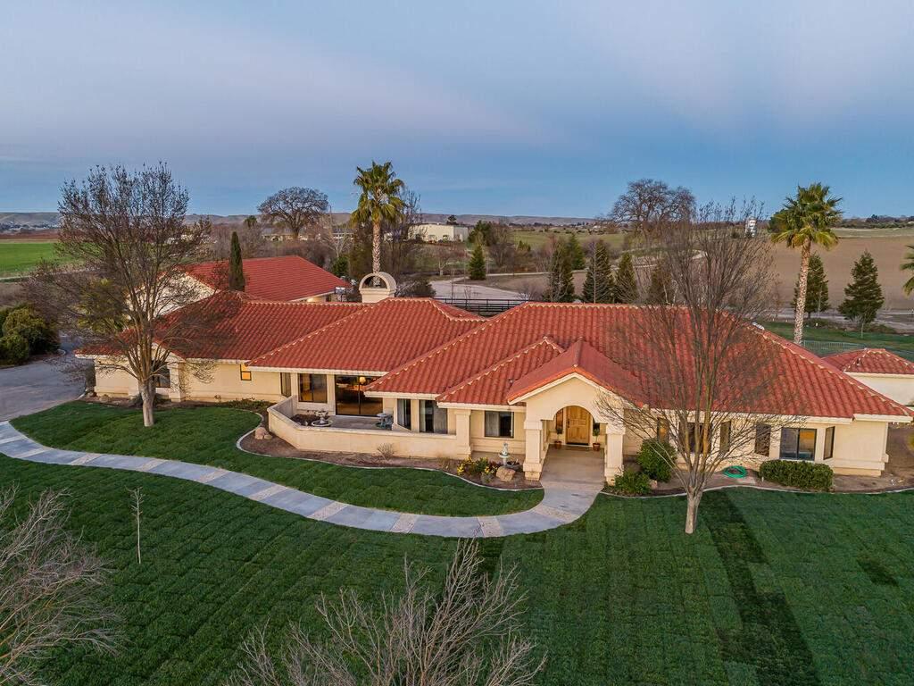 6404-ODonovan-Rd-Creston-CA-004-001-Front-of-Home-MLS_Size