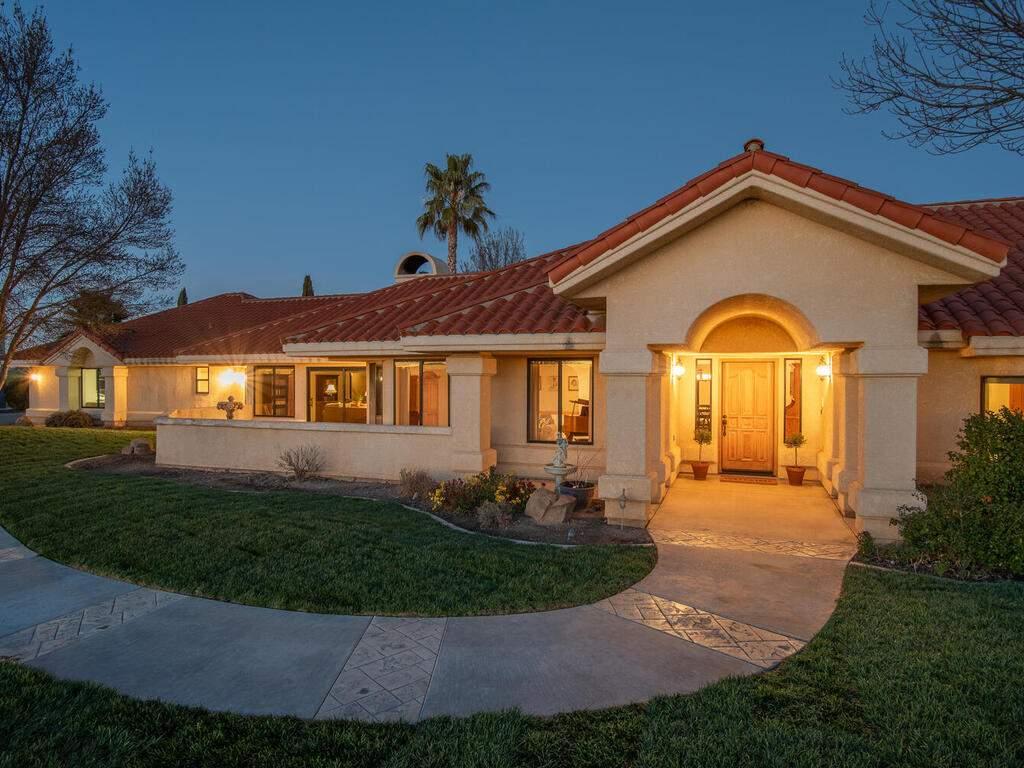 6404-ODonovan-Rd-Creston-CA-006-005-Front-of-Home-MLS_Size