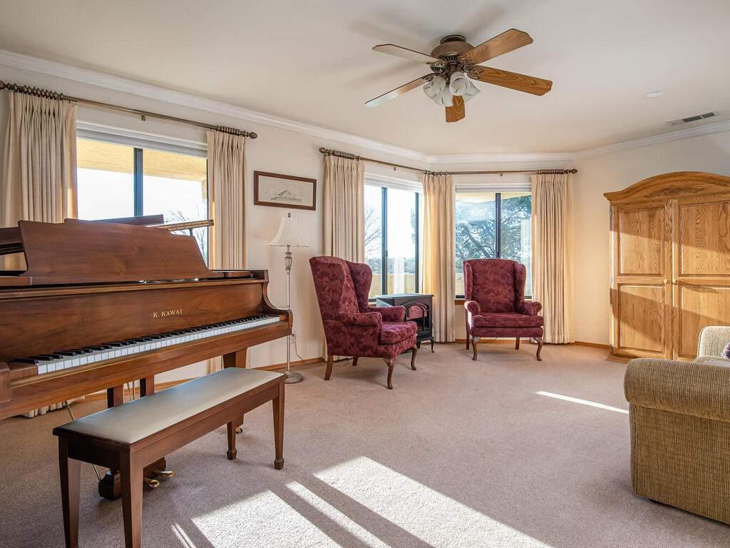 6404-ODonovan-Rd-Creston-CA-008-003-Family-Room-MLS_Size