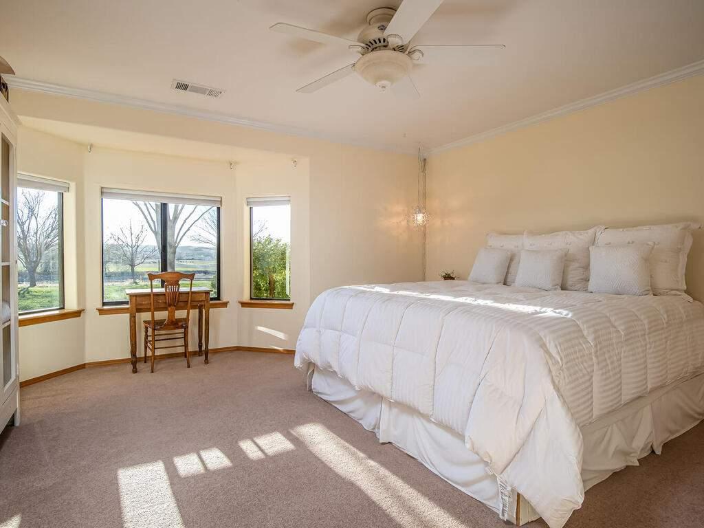 6404-ODonovan-Rd-Creston-CA-022-012-Bedroom-2-MLS_Size