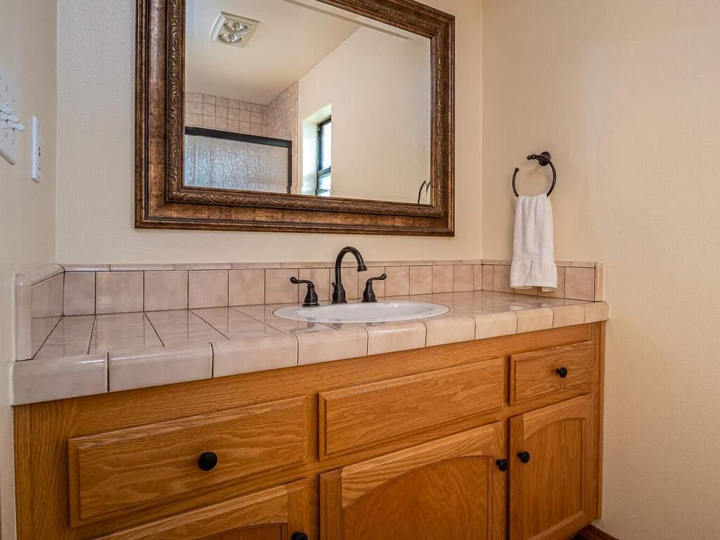 6404-ODonovan-Rd-Creston-CA-026-016-Bathroom-3-MLS_Size