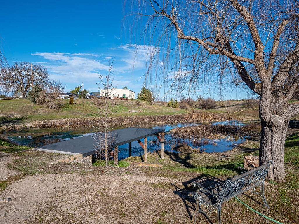6404-ODonovan-Rd-Creston-CA-041-044-Pond-MLS_Size