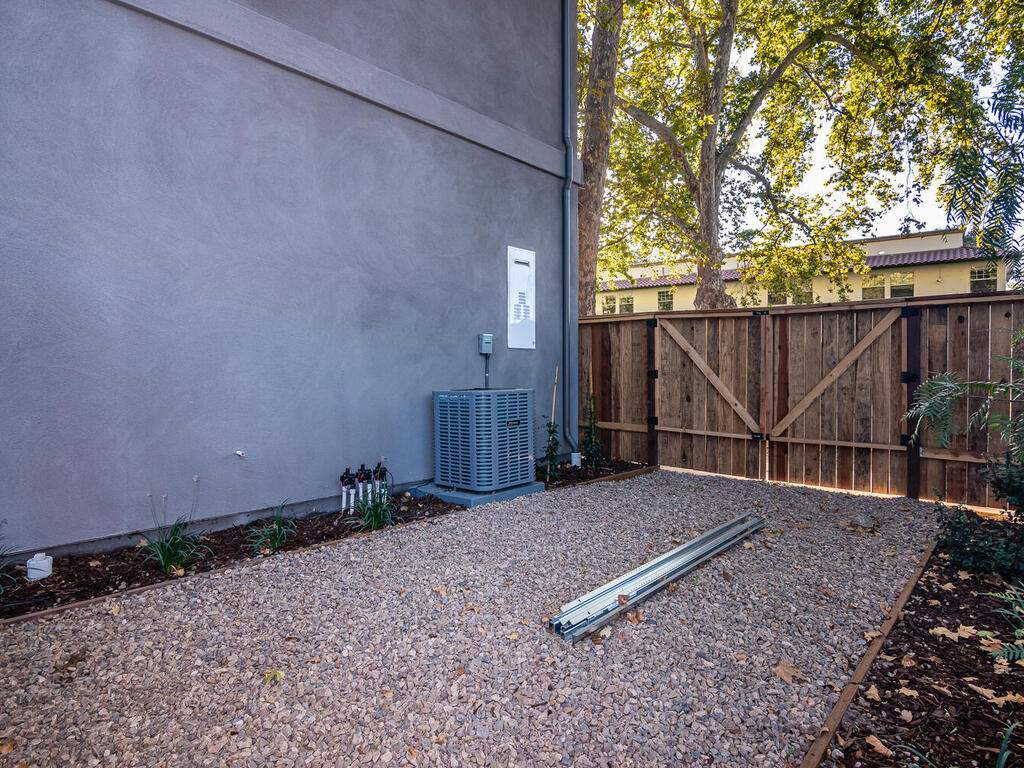 6501-Poquito-Creek-Atascadero-030-032-Side-Gate-MLS_Size