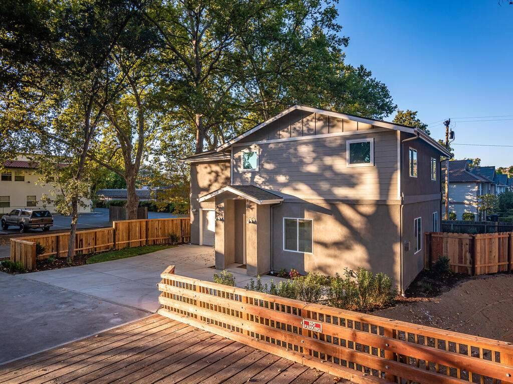 6501-Poquito-Creek-Atascadero-031-030-Front-of-Home-MLS_Size