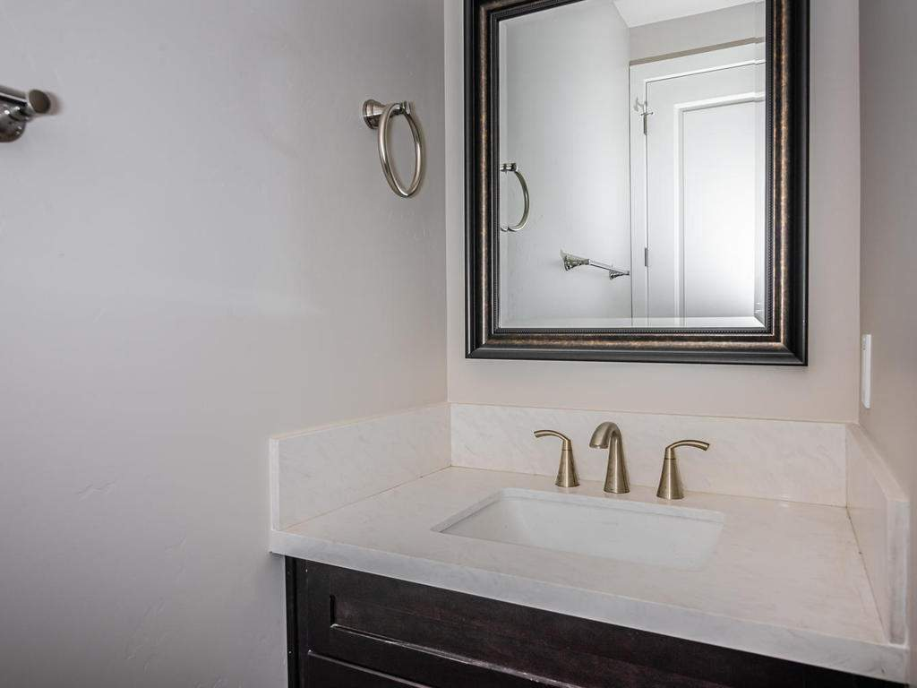 6503-Poquito-Creek-Atascadero-012-016-Powder-Room-MLS_Size