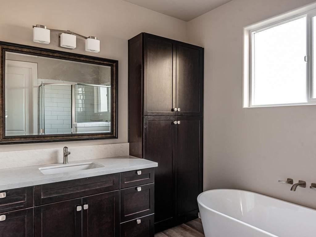 6503-Poquito-Creek-Atascadero-015-010-Master-Suite-MLS_Size