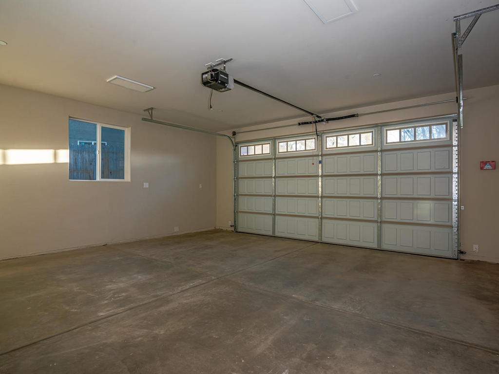 6503-Poquito-Creek-Atascadero-026-021-Garage-MLS_Size