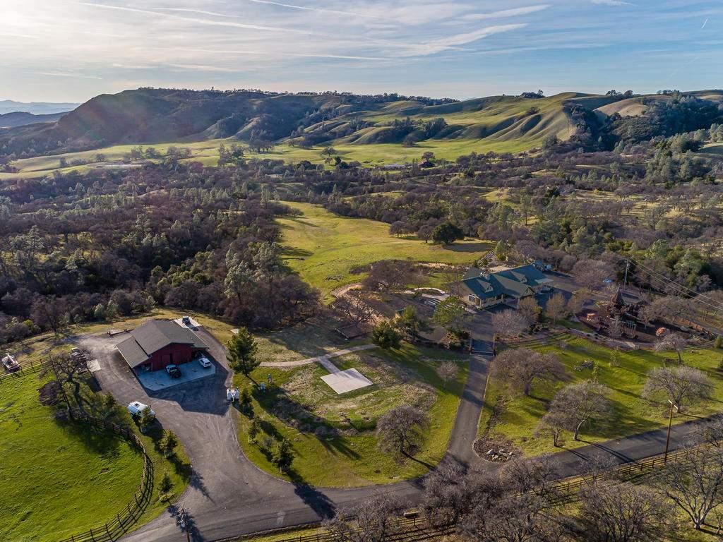69300-Vineyard-Canyon-Rd-San-002-001-Aerial-View-MLS_Size