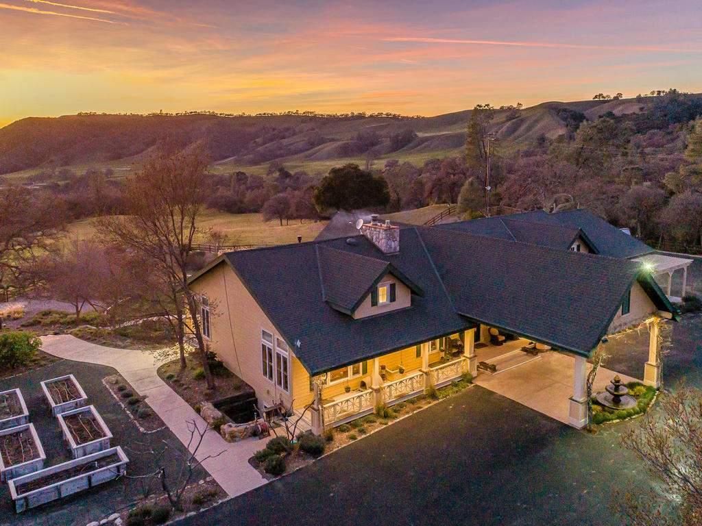 69300-Vineyard-Canyon-Rd-San-003-002-Main-Home-MLS_Size