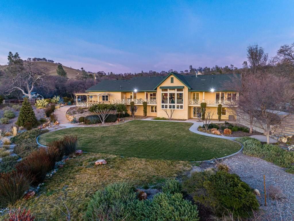 69300-Vineyard-Canyon-Rd-San-004-004-Main-Home-MLS_Size