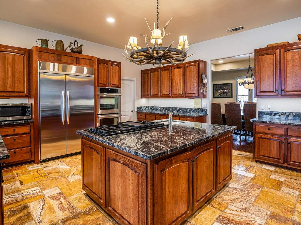69300-Vineyard-Canyon-Rd-San-012-014-Kitchen-MLS_Size