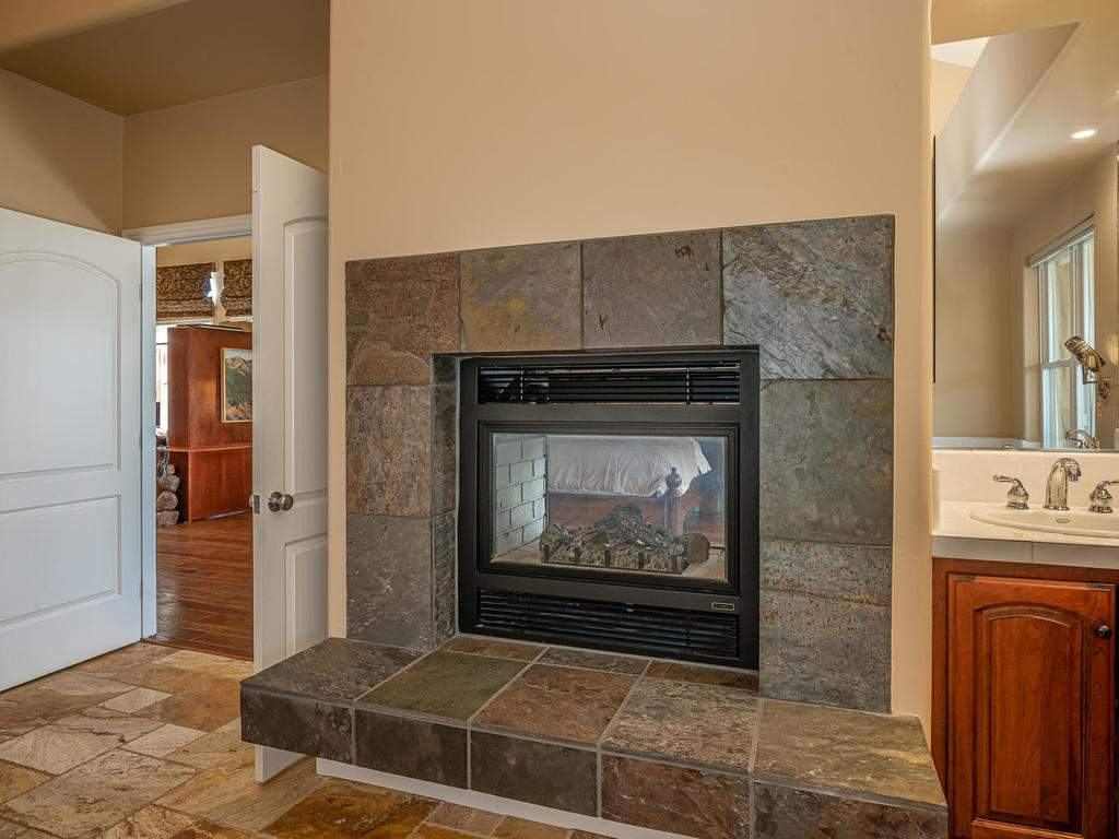 69300-Vineyard-Canyon-Rd-San-020-019-Master-Suite-MLS_Size