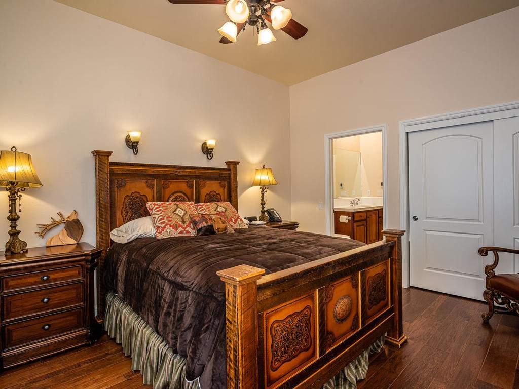 69300-Vineyard-Canyon-Rd-San-023-033-Bedroom-Two-MLS_Size