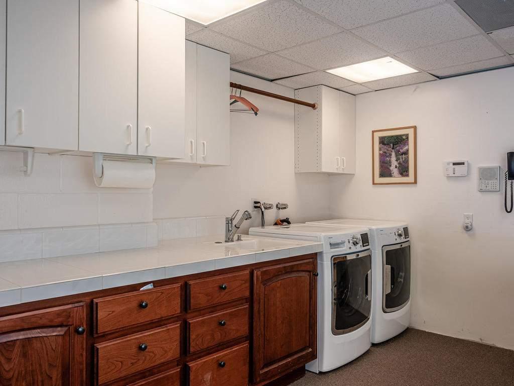 69300-Vineyard-Canyon-Rd-San-033-027-Lower-Level-Laundry-MLS_Size