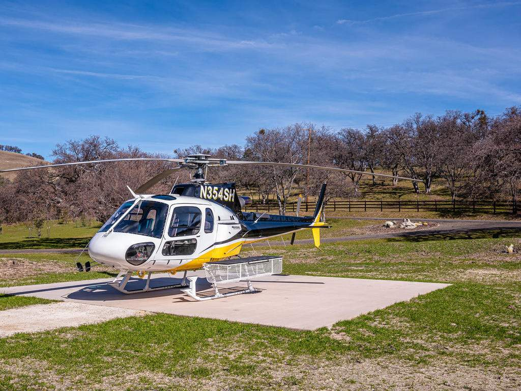69300-Vineyard-Canyon-Rd-San-041-034-Helicopter-Pad-MLS_Size