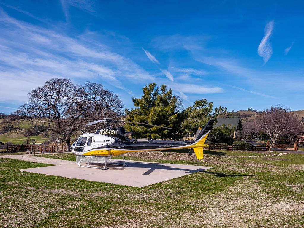 69300-Vineyard-Canyon-Rd-San-042-043-Helicopter-Pad-MLS_Size
