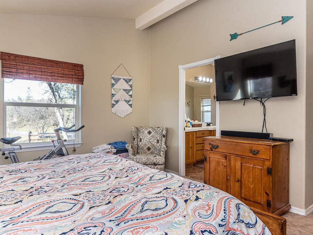 69300-Vineyard-Canyon-Rd-San-052-048-Guest-House-One-MLS_Size
