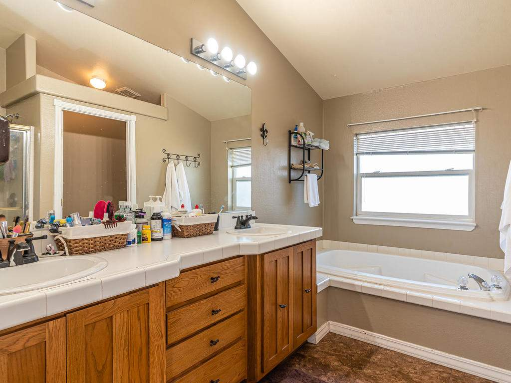 69300-Vineyard-Canyon-Rd-San-053-053-Guest-House-One-MLS_Size