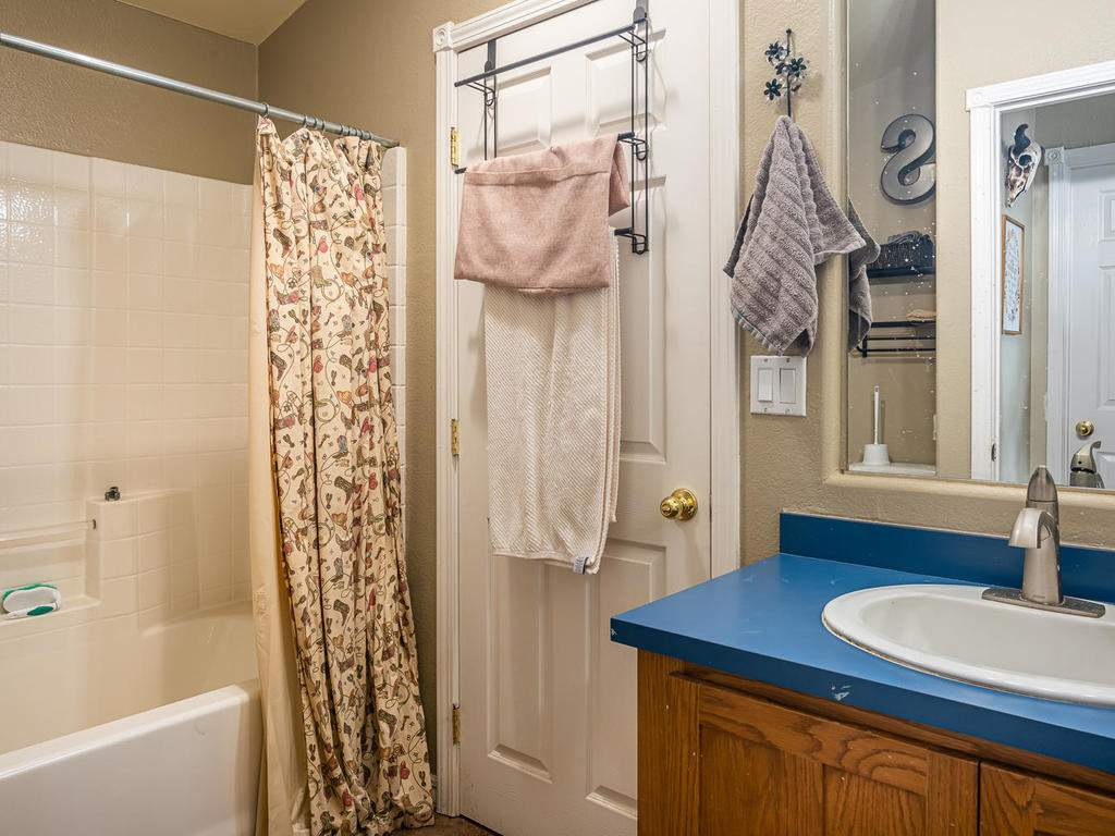 69300-Vineyard-Canyon-Rd-San-056-054-Guest-House-One-MLS_Size