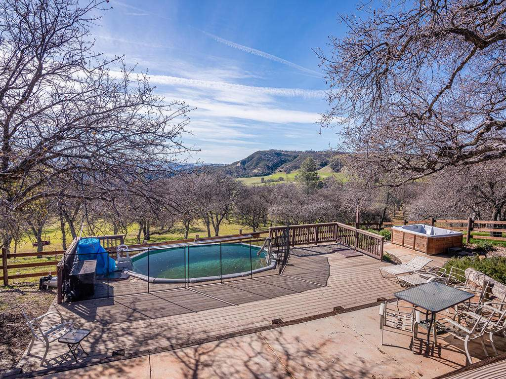 69300-Vineyard-Canyon-Rd-San-057-059-Guest-House-One-MLS_Size