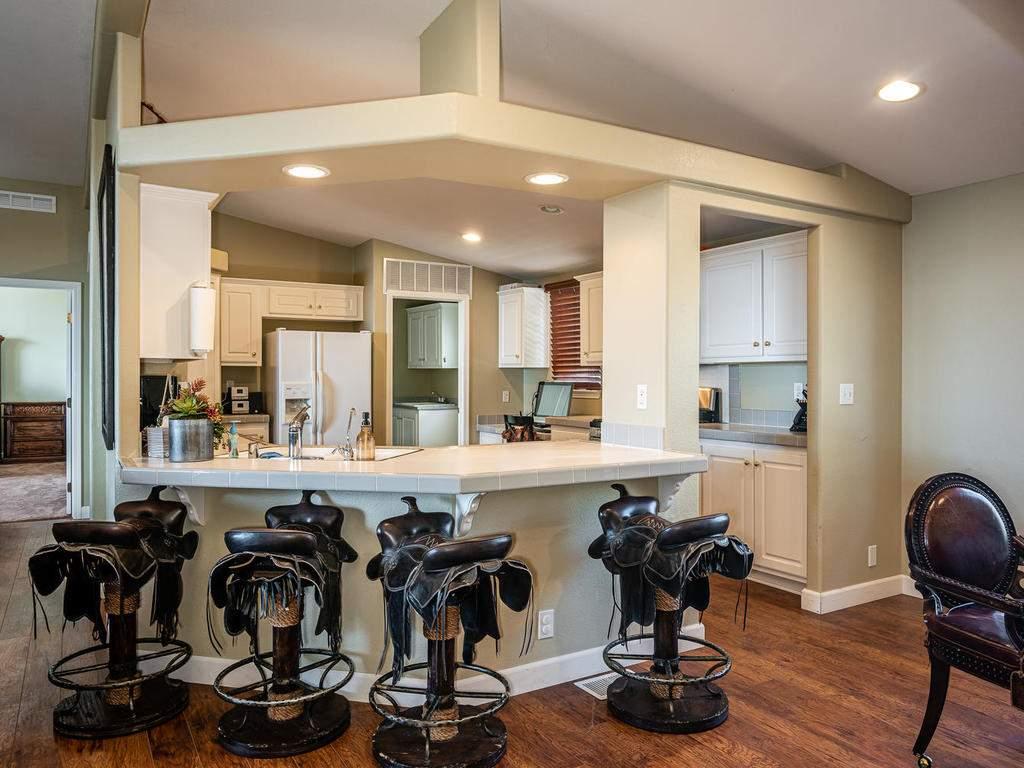69300-Vineyard-Canyon-Rd-San-062-057-Guest-House-Two-MLS_Size