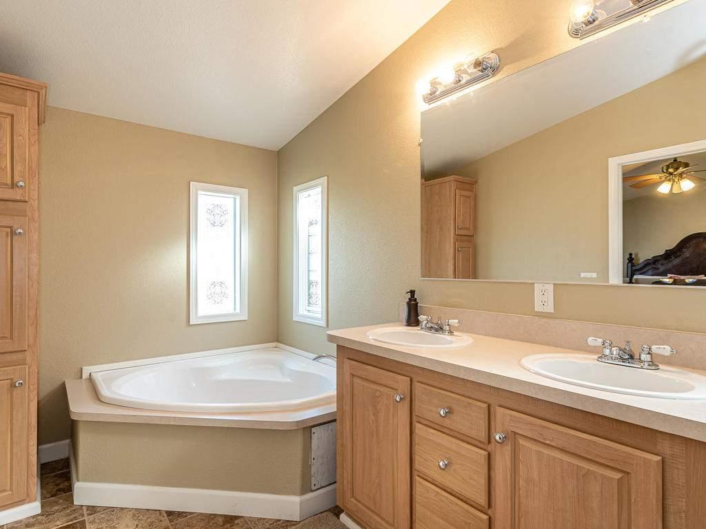 69300-Vineyard-Canyon-Rd-San-079-076-Guest-House-Three-MLS_Size