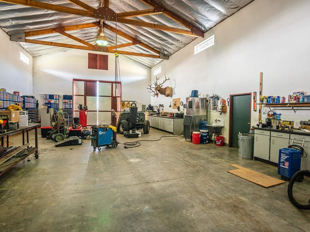 69300-Vineyard-Canyon-Rd-San-086-083-Barn-Workshop-MLS_Size
