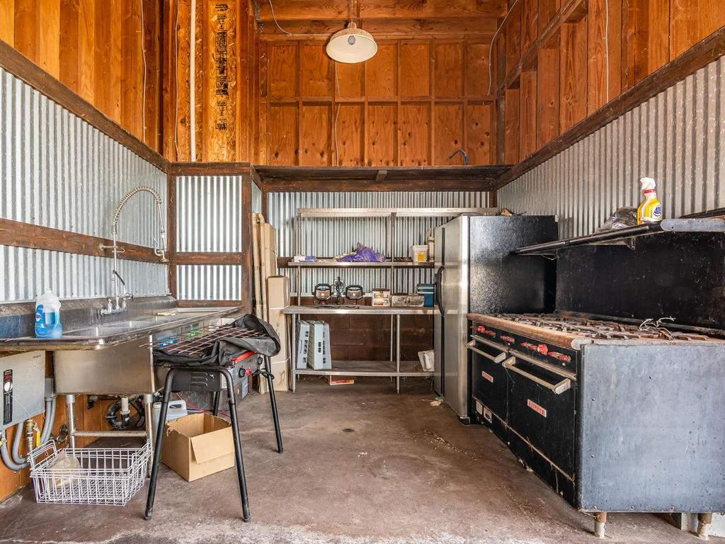 69300-Vineyard-Canyon-Rd-San-091-090-Kitchen-MLS_Size