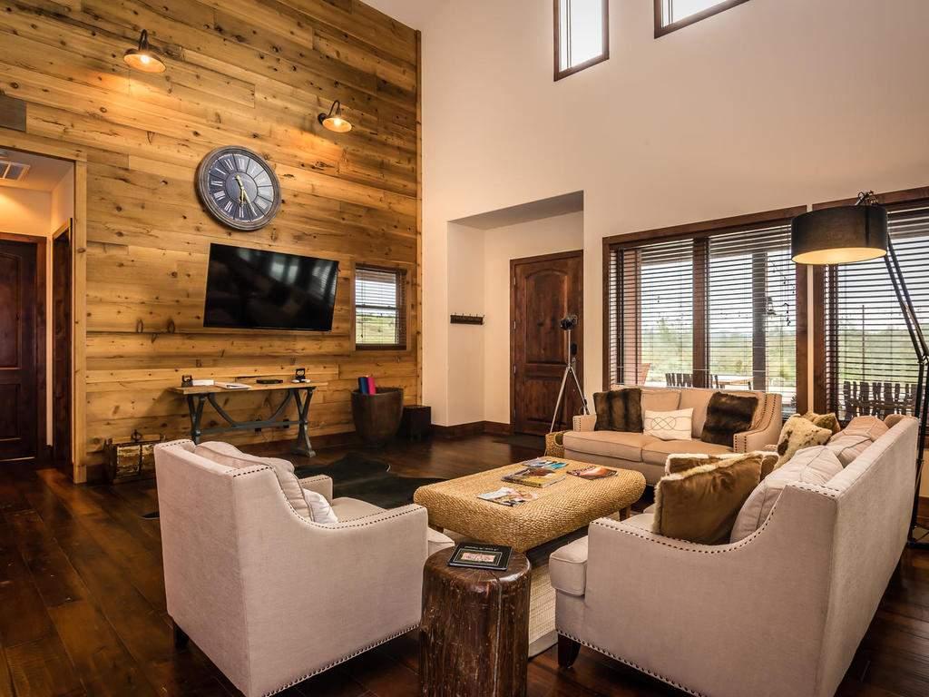 7265 ODonovan Road Creston CA-008-1-Great Room-MLS_Size