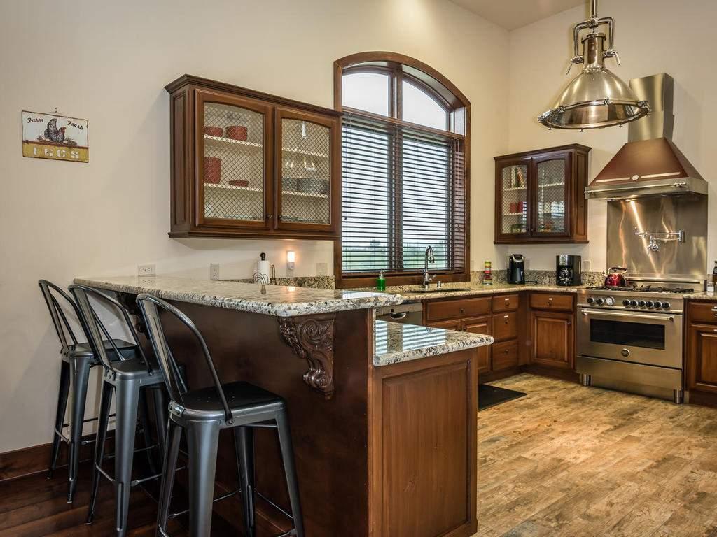 7265 ODonovan Road Creston CA-015-4-Kitchen-MLS_Size