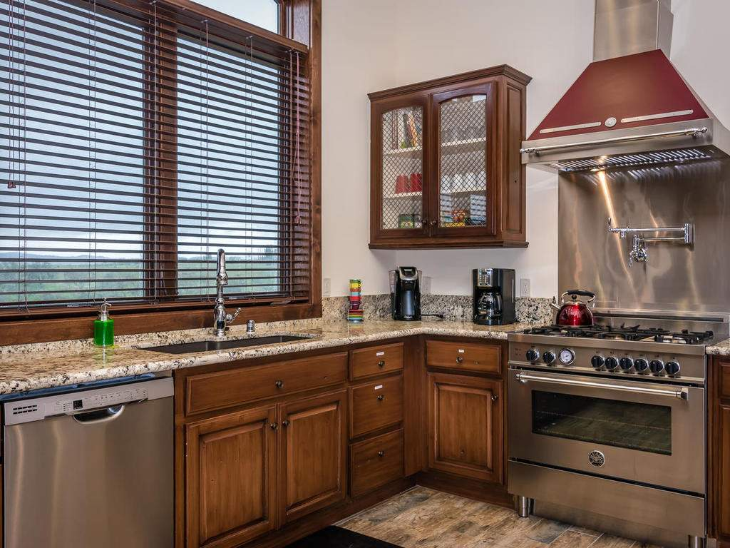 7265 ODonovan Road Creston CA-016-20-Kitchen-MLS_Size