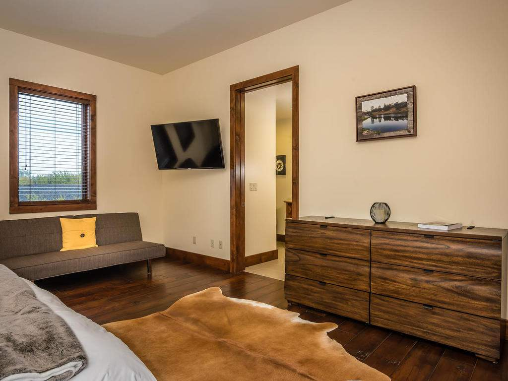 7265 ODonovan Road Creston CA-028-19-Bedroom Two Suite-MLS_Size