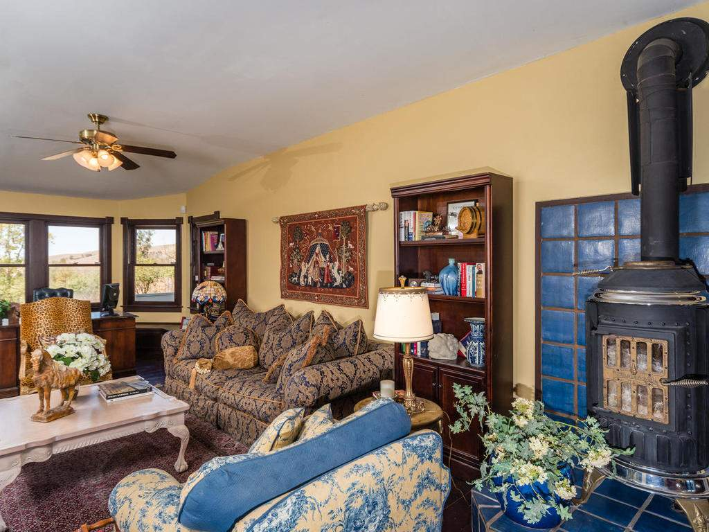 7320-Cross-Canyons-Rd-San-009-009-Family-Room-MLS_Size