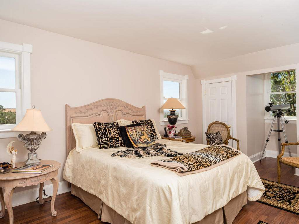 7320-Cross-Canyons-Rd-San-014-014-Master-Bedroom-MLS_Size