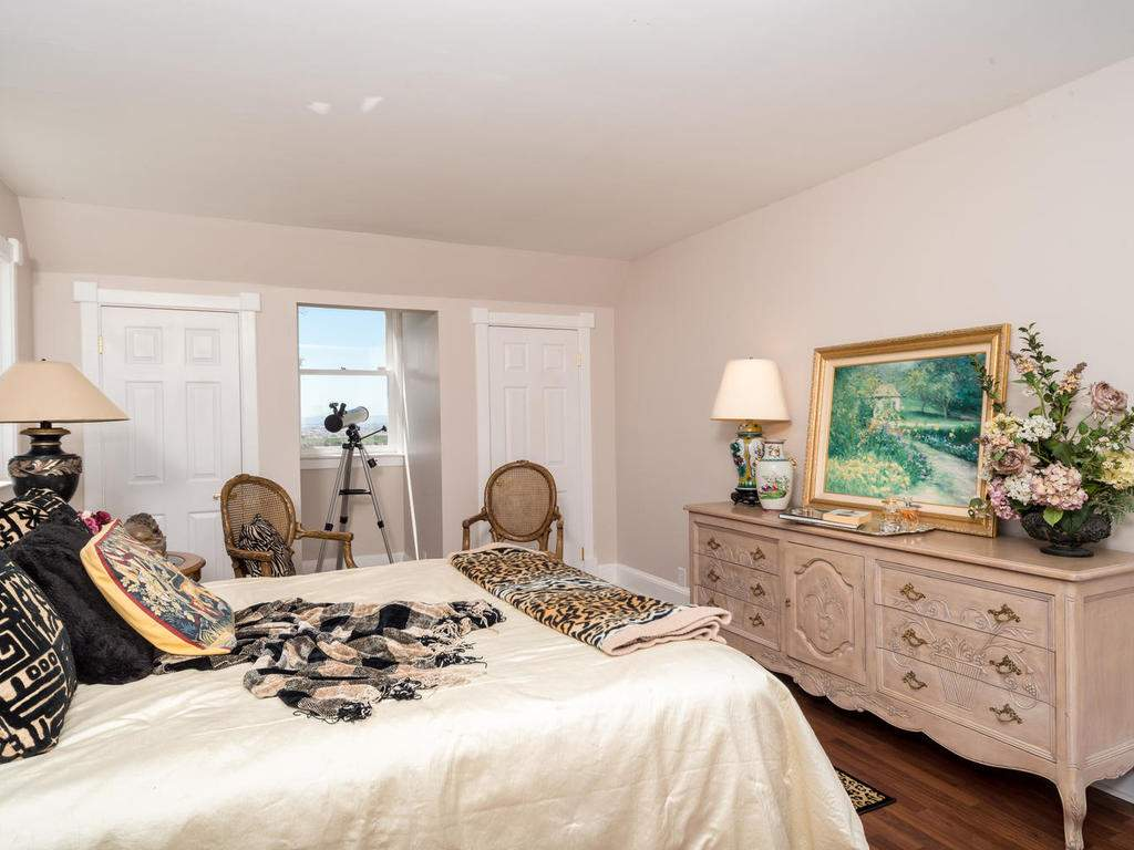 7320-Cross-Canyons-Rd-San-015-015-Master-Bedroom-MLS_Size