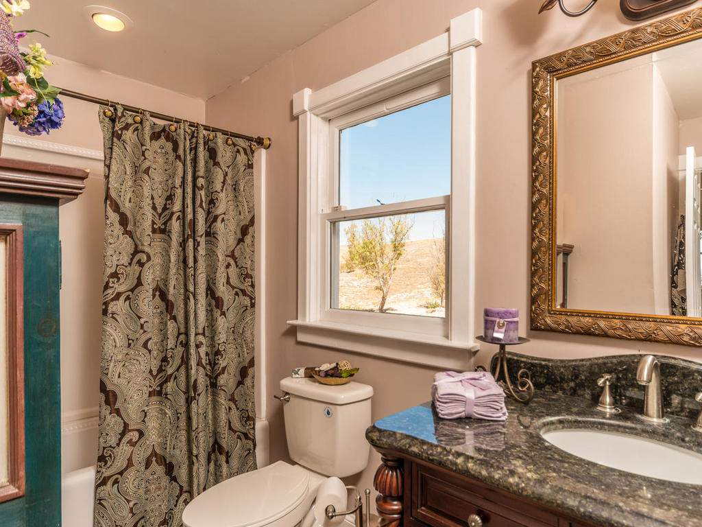 7320-Cross-Canyons-Rd-San-016-016-Master-Bathroom-MLS_Size