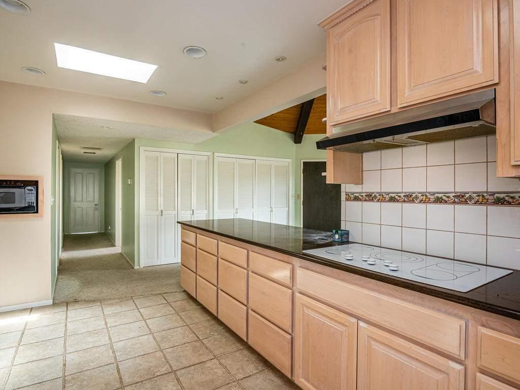 73841-Indian-Valley-Rd-San-010-012-Kitchen-MLS_Size