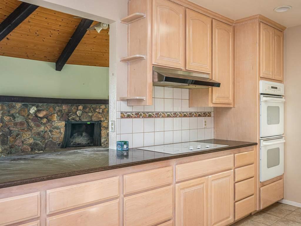 73841-Indian-Valley-Rd-San-011-037-Kitchen-MLS_Size