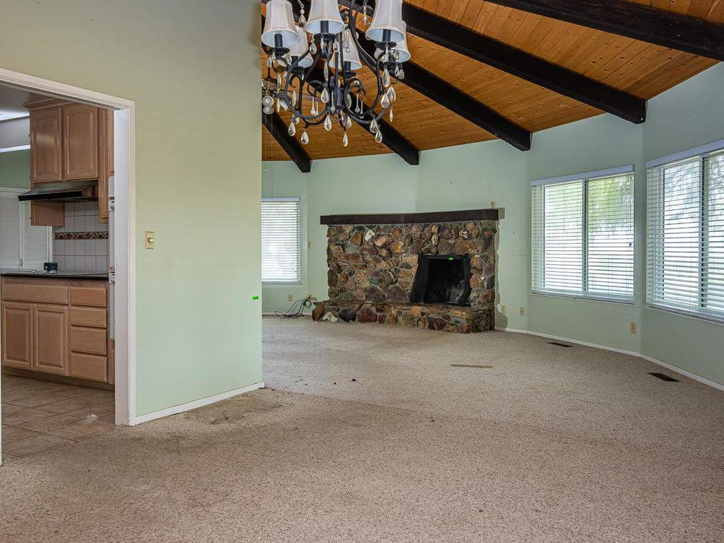 73841-Indian-Valley-Rd-San-013-039-Dining-Room-MLS_Size