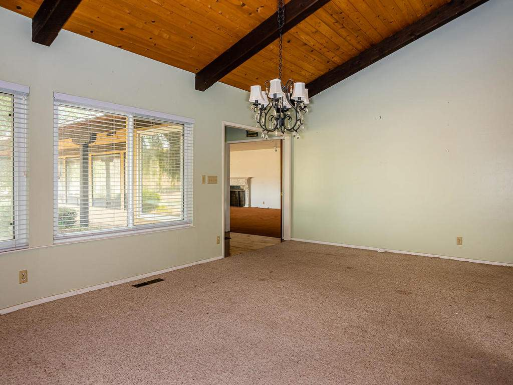 73841-Indian-Valley-Rd-San-014-011-Dining-Room-MLS_Size