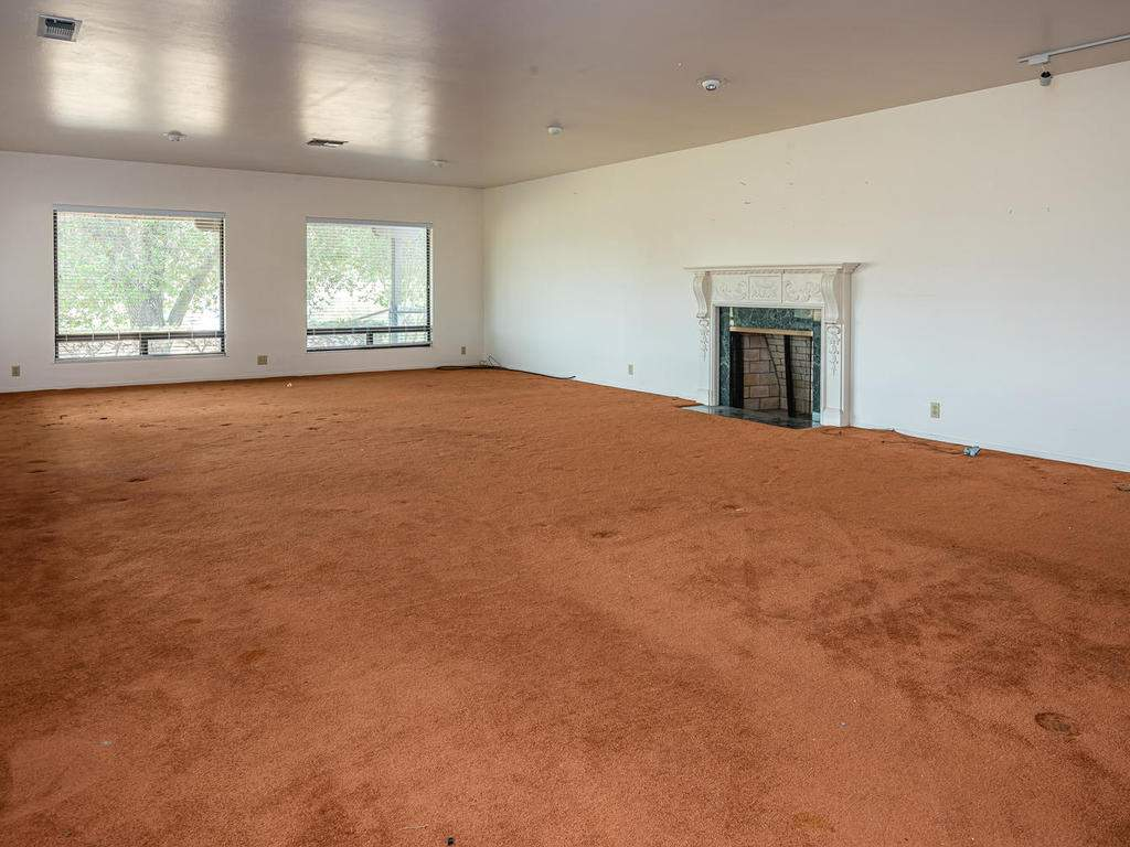 73841-Indian-Valley-Rd-San-015-014-Living-Room-MLS_Size